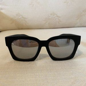 QUAY Australia Midnight Runner Sunglasses